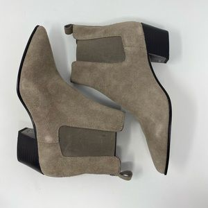 DKNY Beca Tan Suede Pointed Chelsea Boots Size 10